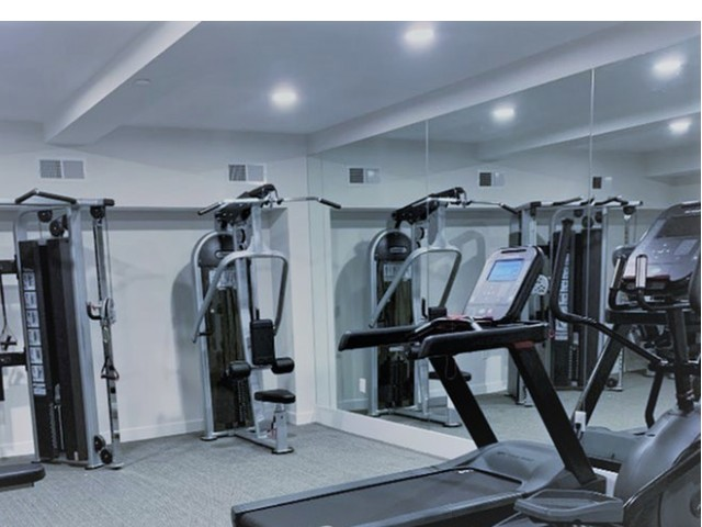 Image of 24 hour fitness center for Glenbrook Crossing Apartment Homes