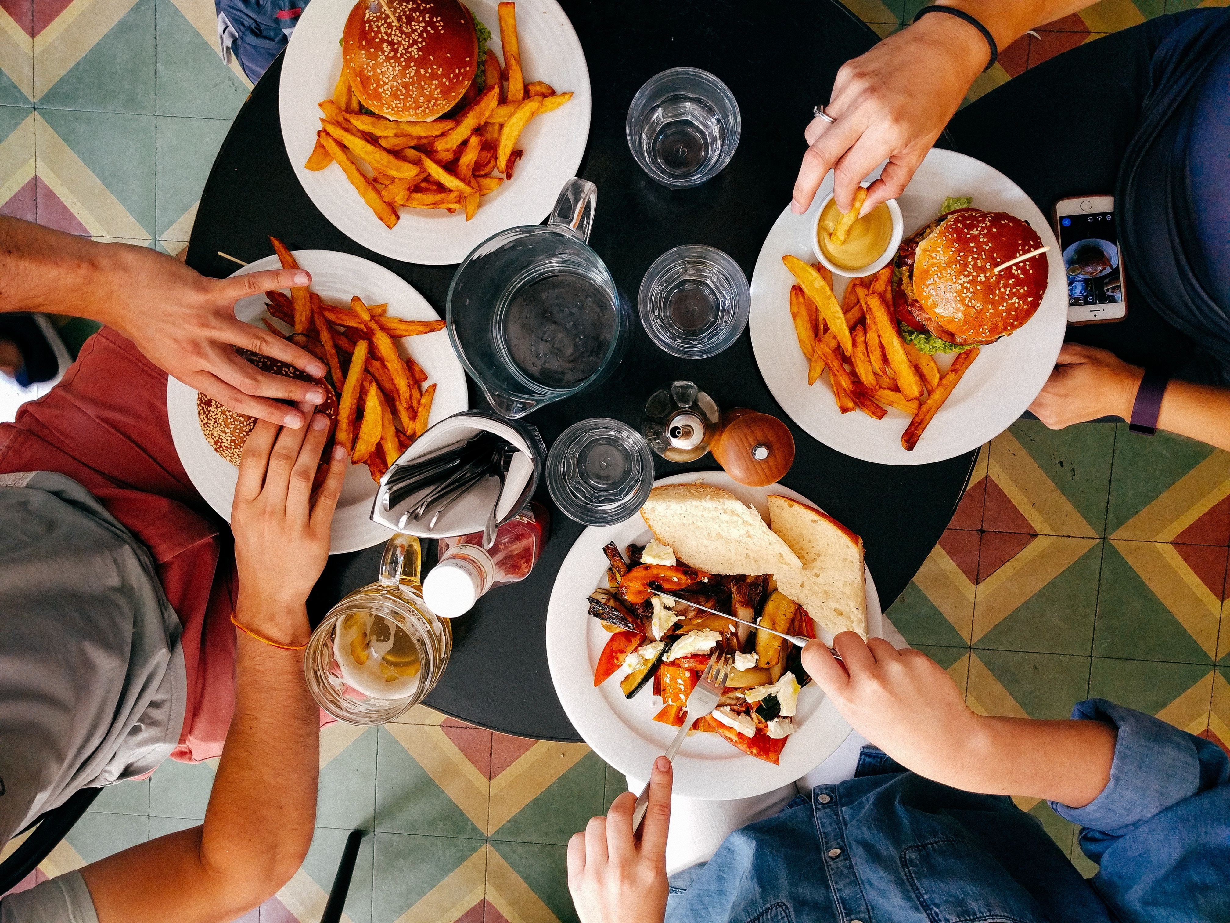 Best Apps for Food Delivery to your Apartment-image
