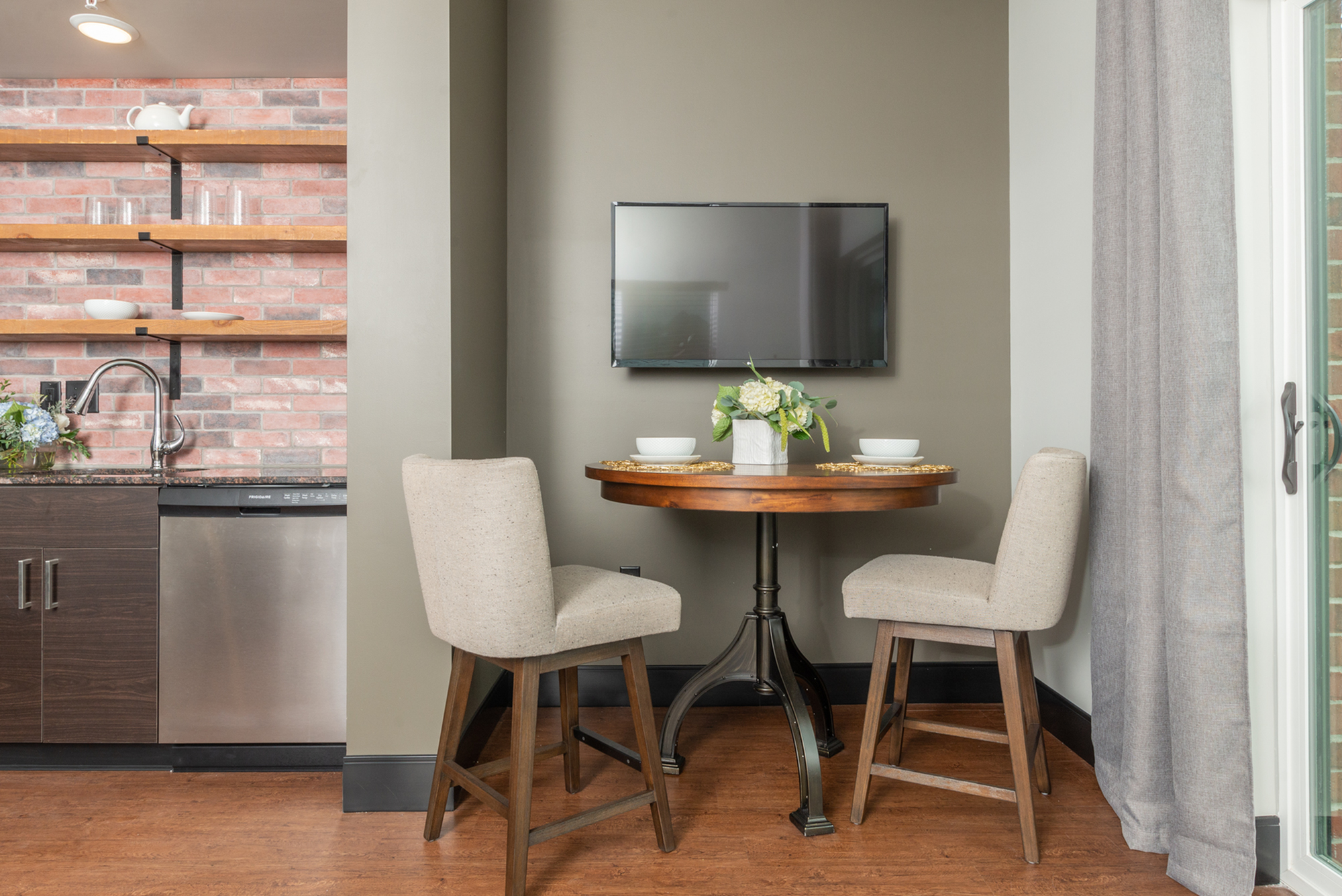small two person dining table