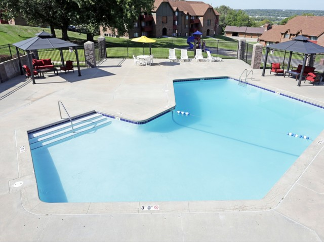 Image of Refreshing Swimming Pool for Tudor