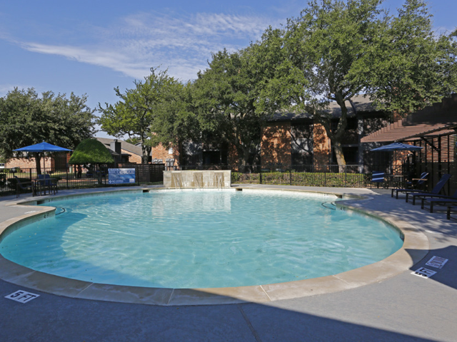 Amenity: Refreshing Pool