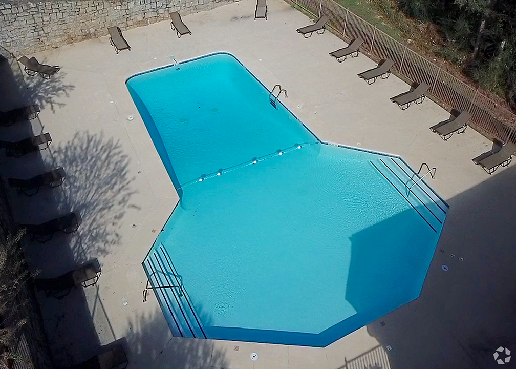Picture of Swimming Pool at Rainbow Forest