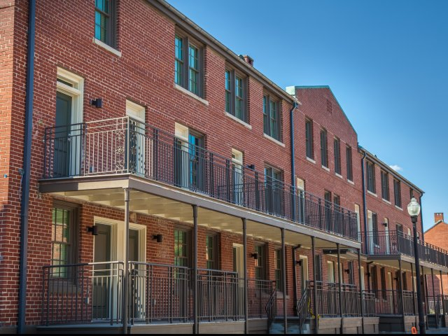 Apartment Community In New Orleans Bienville Basin