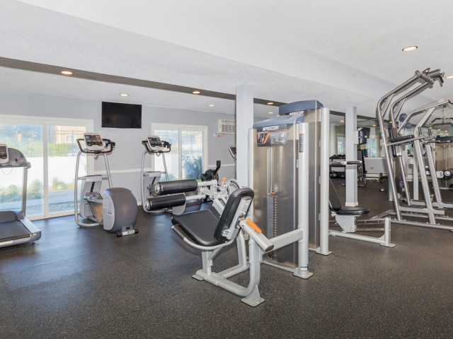Resident Fitness Center | Mt Prospect IL Apartments | Eclipse at 1450
