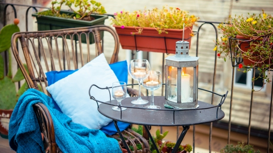 Decorate Your Balcony for Fall-image