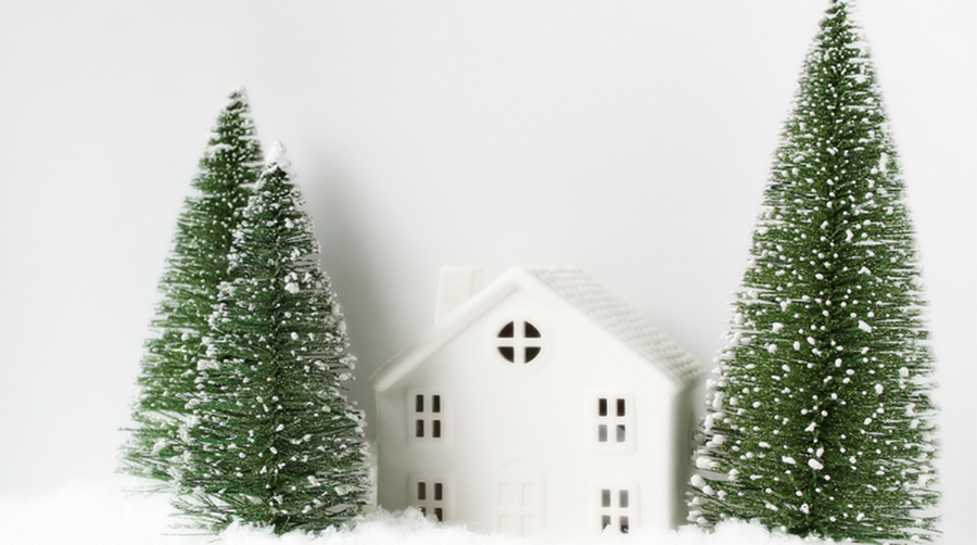 Moving Home Close to the Holidays – How to Celebrate in a New House-image