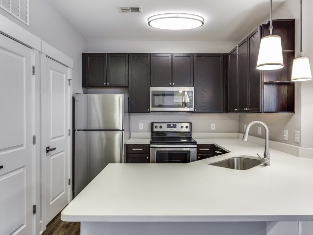 Apartment Amenity | Upgraded Appliance Package | Stainless Steel Appliances | Cottonwood Reserve Apartments