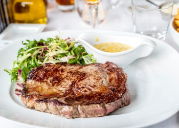 Cool River has a collaboration of chefs, Kent Rathbun and Fernando Rodriguez, the menu features fresh Texas ingredients. Sauces are prepared from scratch in their kitchen daily. They smoke their meats in-house. They proudly serve well-aged Certified Angus Beef brand steaks. at Cool River