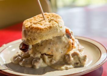 Step inside the 1950's-inspired Norma's Café for a stick-to-your-ribs meal of top favorites including cream pies, cinnamon rolls, hash browns, and chicken-fried steak.