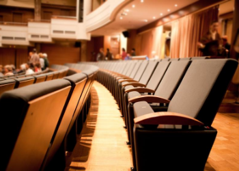 Enjoy Broadway shows, touring artist's concerts, comedy shows and more at the Peace Center. Located right by the Reedy River, this stunning venue is the perfect place to sit back, relax, and enjoy a show! At Plantations at Haywood we are minutes away, making it easy for you to enjoy your night out. at Peace Center