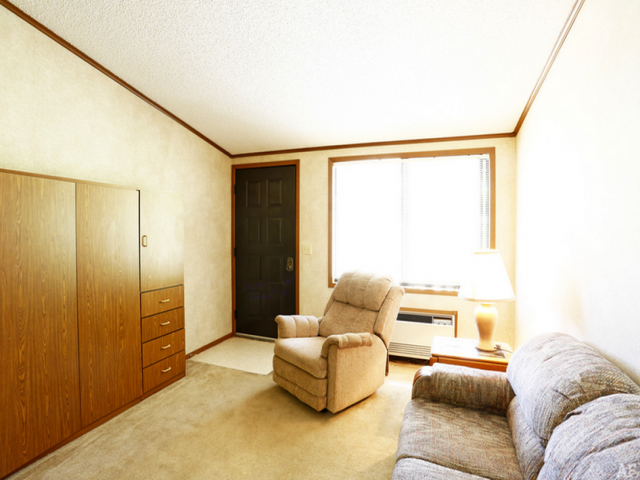 Studio apartments available, Oakdale PA, For Rent