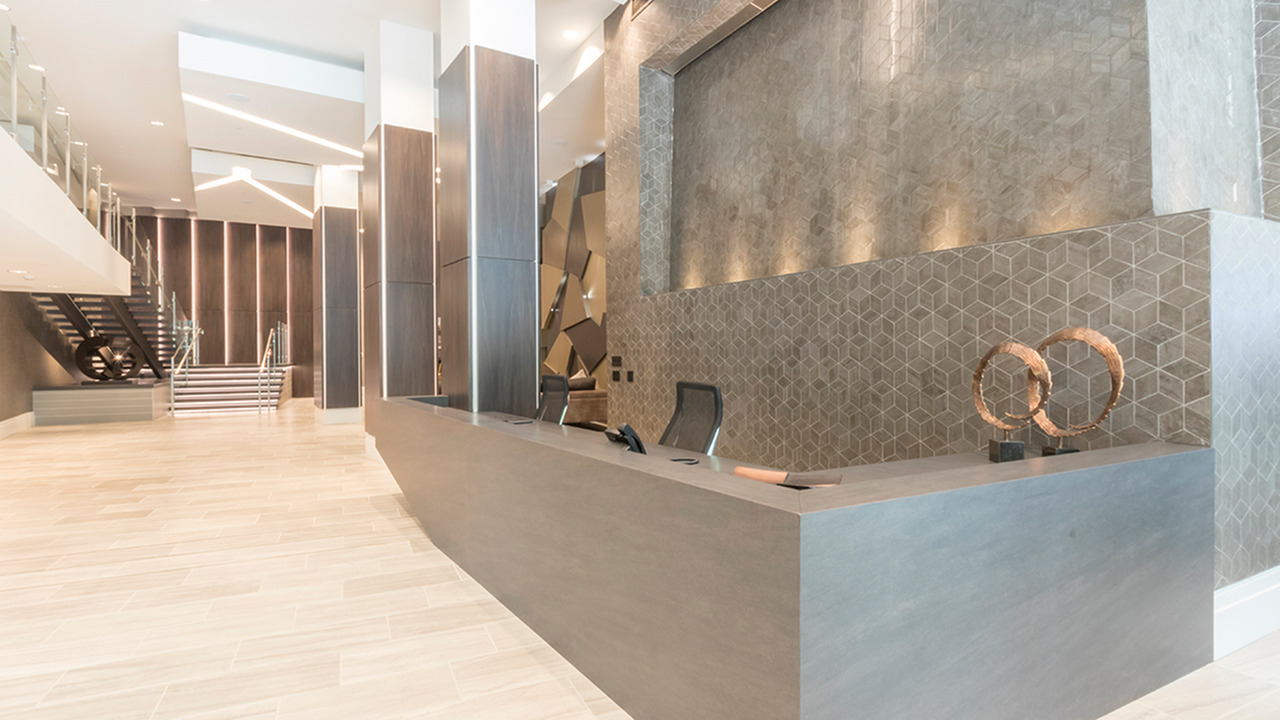 Concierge Desk in Lobby Entrance | Modera Midtown