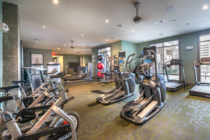 State Of The Art Fitness Center | Modera Flats