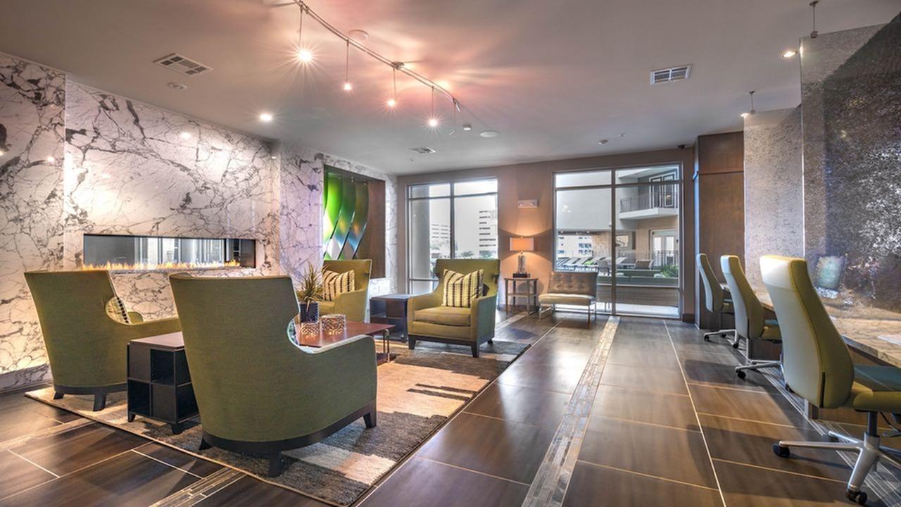 Spacious Resident Club House   Modera Flats