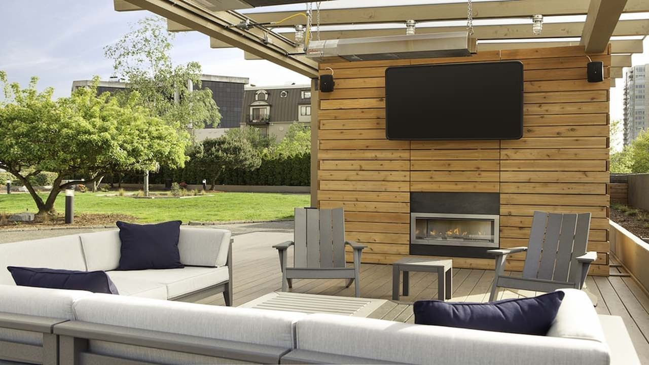 Image of Private rooftop garden with amazing views and multiple social hang-out zones for Skye at Belltown