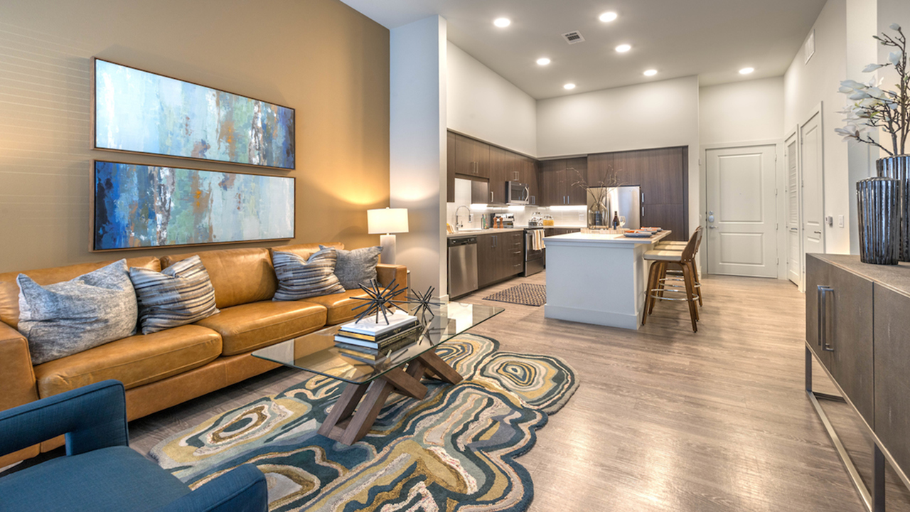 Centrally Located | Modera Hall Street | Dallas, TX | Apartment Homes