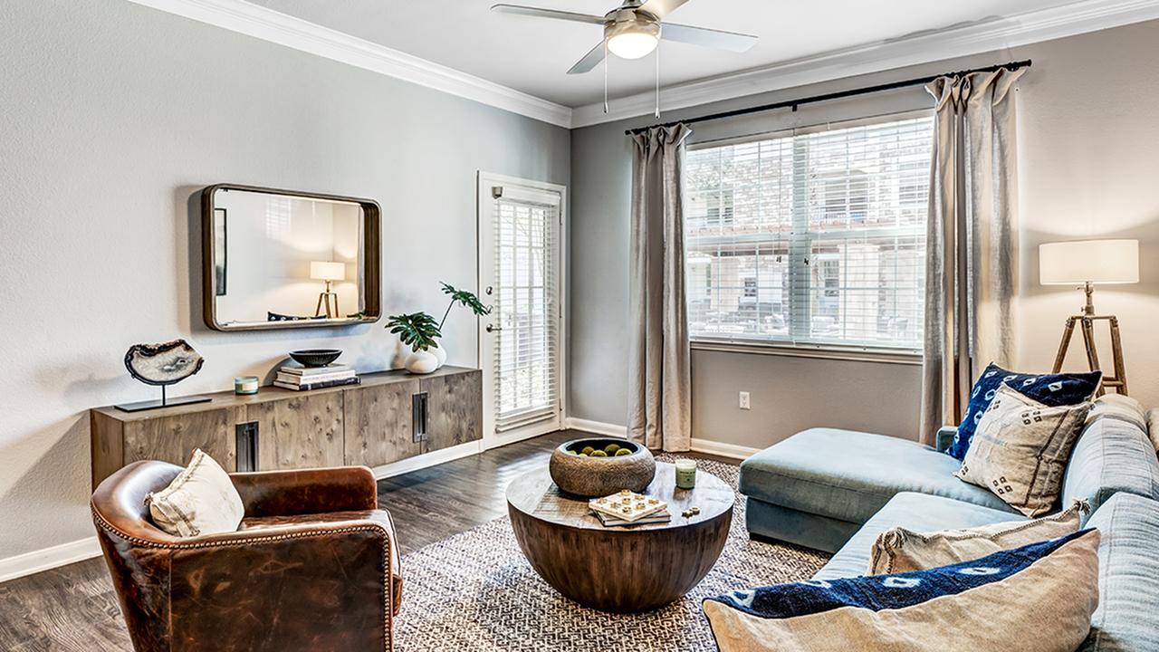 Alister Balcones | Austin, Texas | Apartment Homes | Cozy Living Spaces