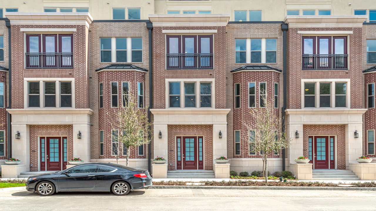 One-two- and three-bedroom apartment homes |Modera Howell | Mill Creek Residential |Apartment Homes
