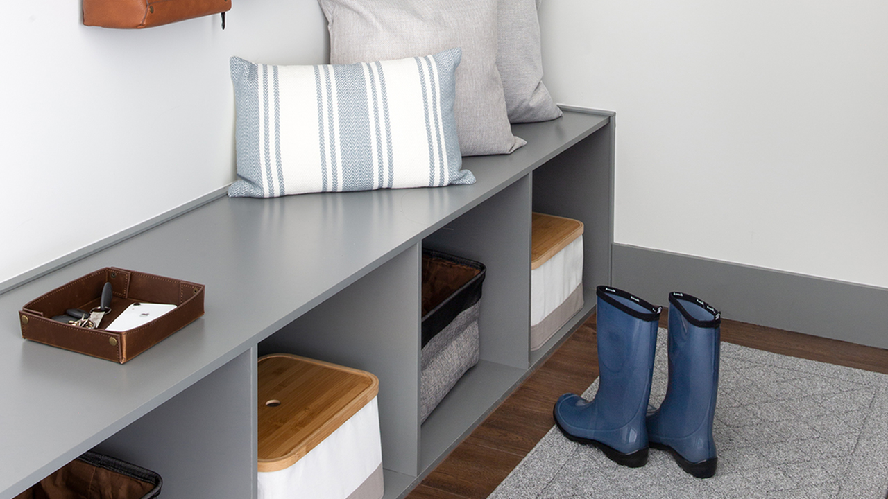 Mud room with shelving and bench