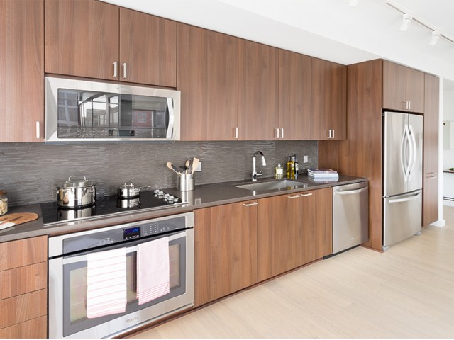 Image of Stainless steel Whirlpool® appliances for Eliot on 4th
