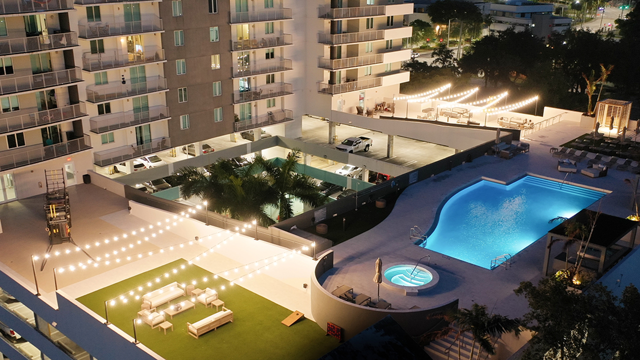 Modera Skylar | Pool Deck at Night