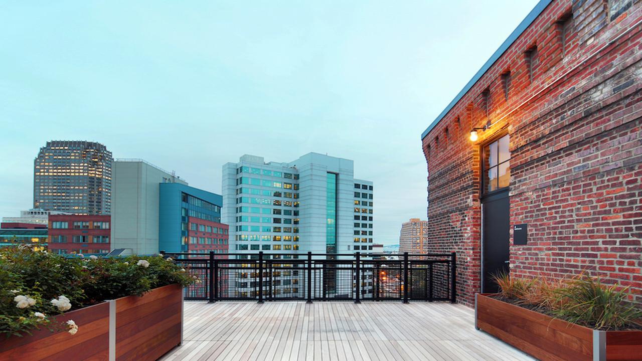 Unique Rooftop Deck
