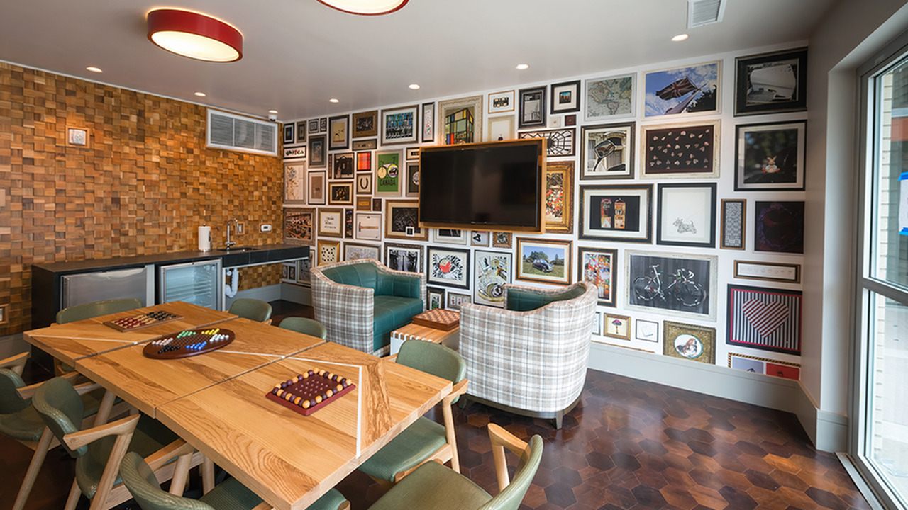 Game Room with Board Games, Mini Kitchen and Flat Screen Television
