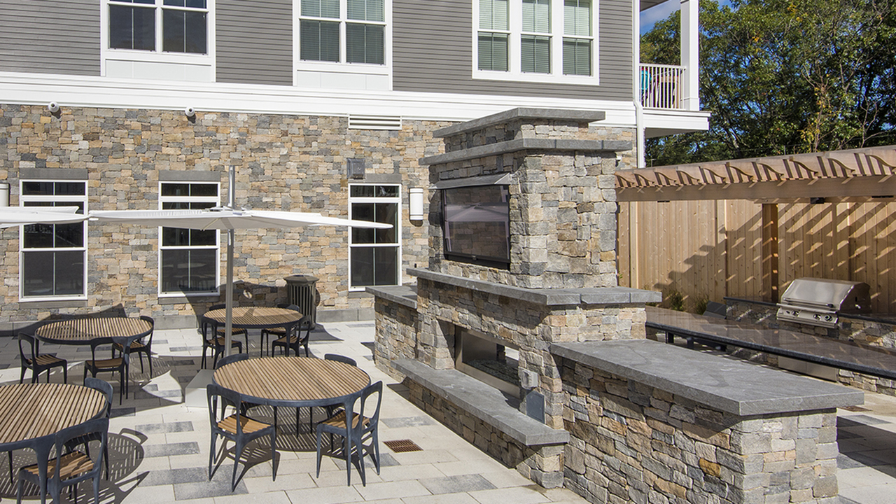 Outdoor Deck, Private Dining and BBQ Area