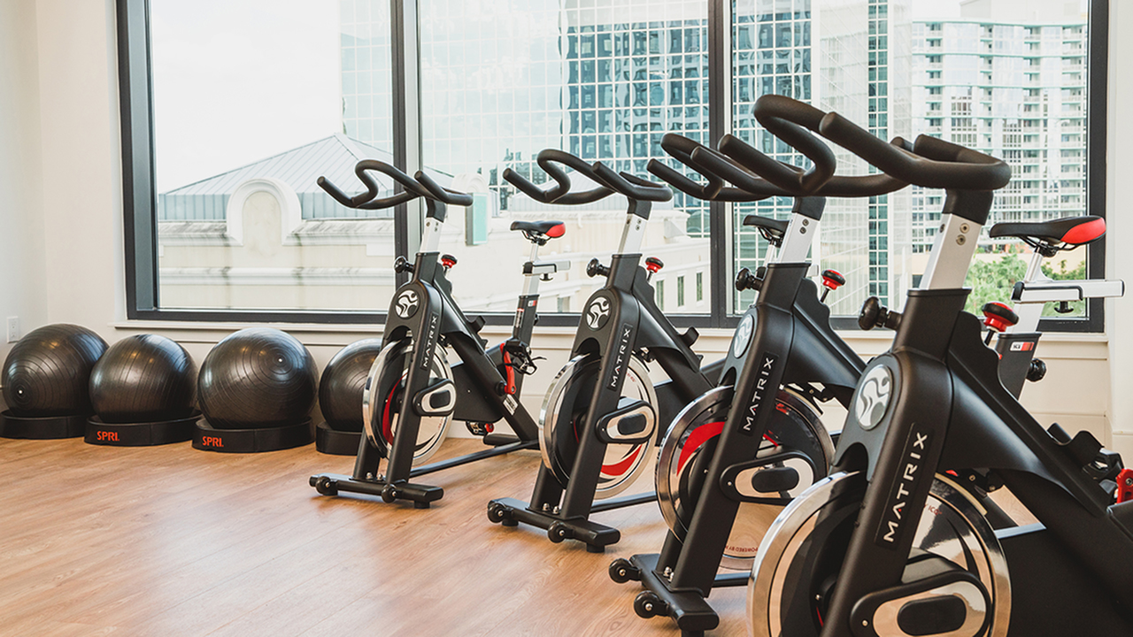 Close us of spin bikes