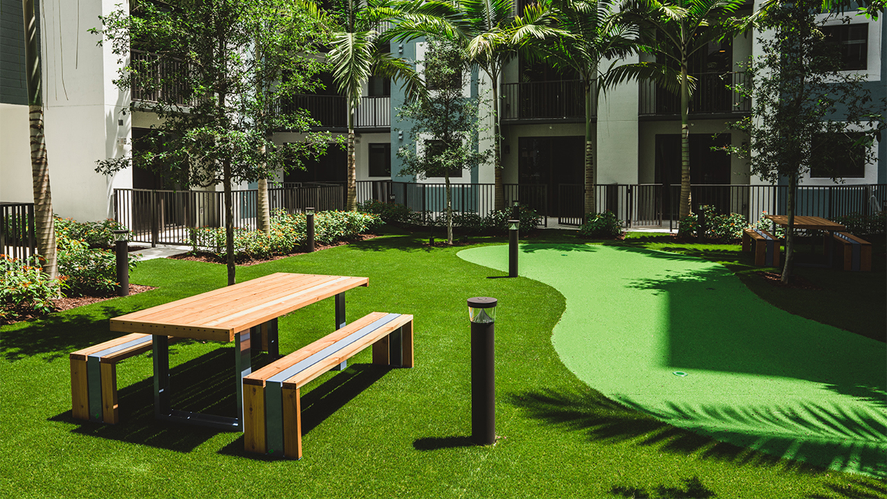 Gorgeous putting green and courtyard