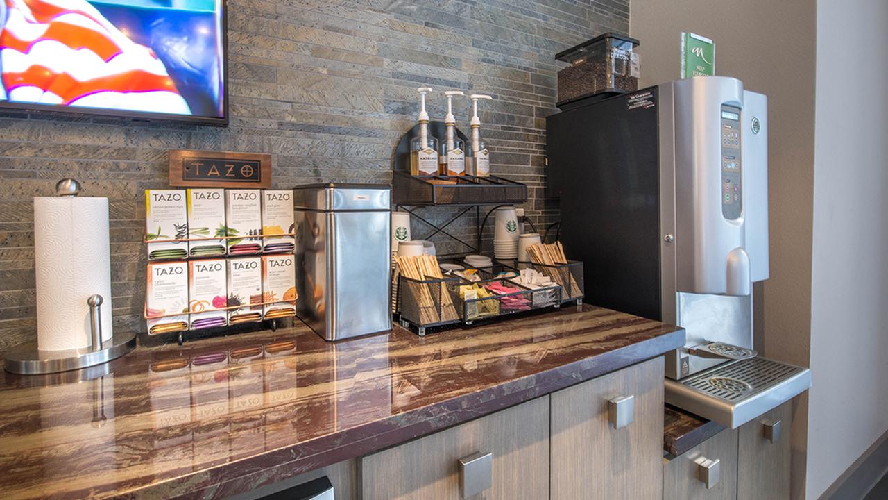Starbucks coffee machine and tea bar