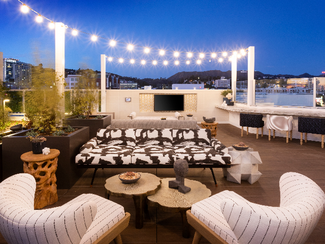 Modera Hollywood outdoor living space