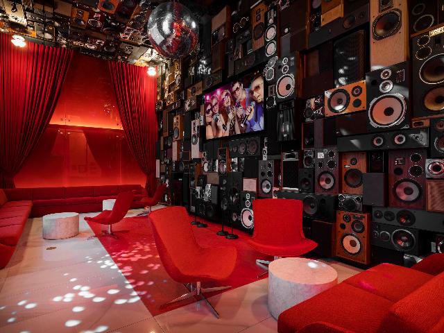 Modera Private Karaoke room
