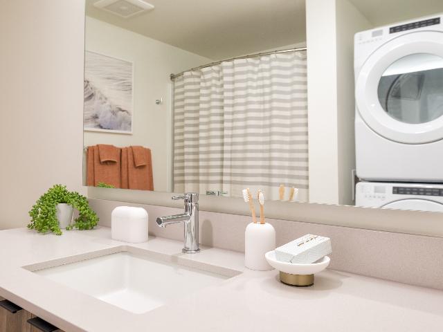 Modera Broadway Washer and Dryer Image