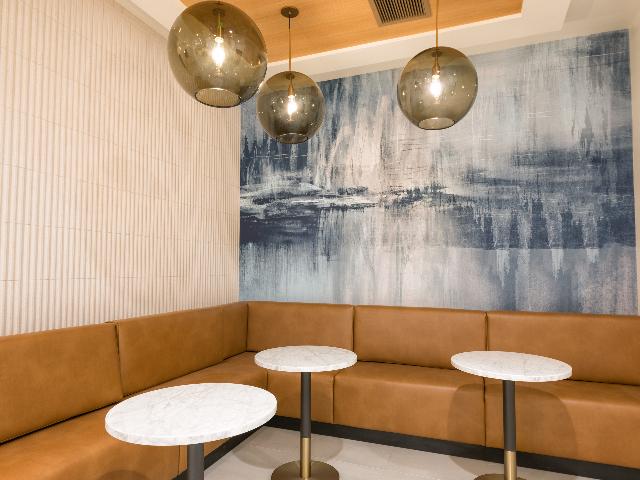 Image of social lounge at Modera Broadway