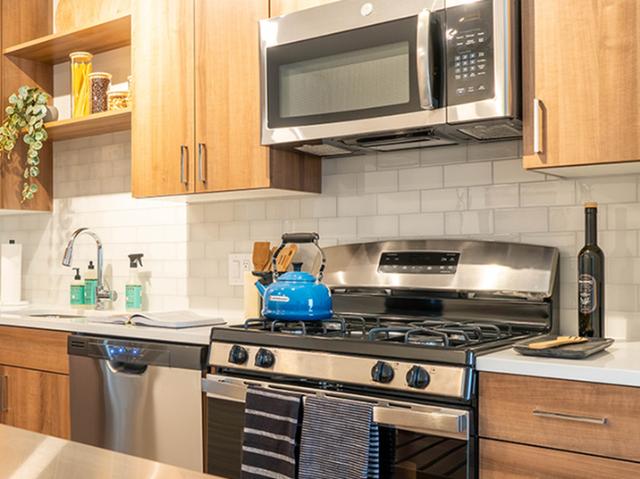 Modera Marshfield stainless steel appliance image