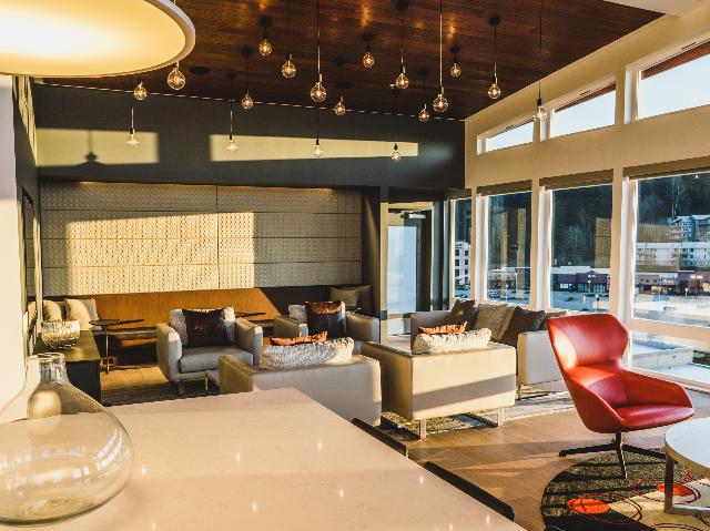 Modera Redmond sky lounge image