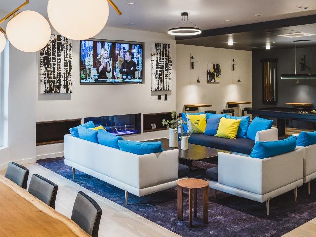 Modera Redmond modern gas fireplace and lounge image