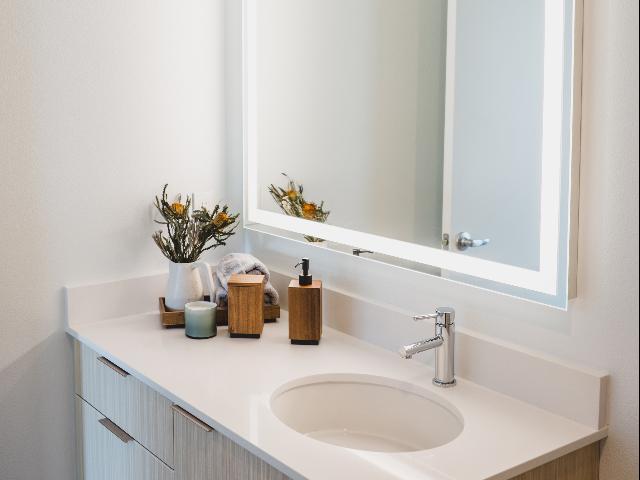 Modera Redmond quartz counter bathroom image