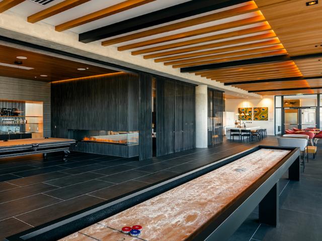 Modera Akoya billiards room image