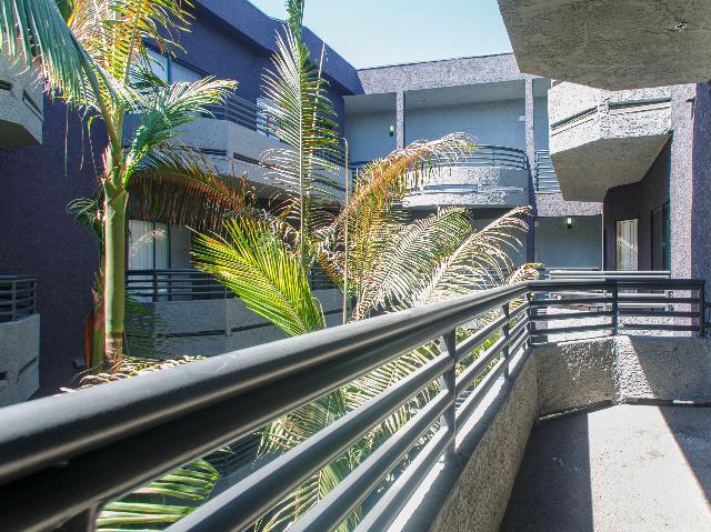 Sherman Oaks Balcony image