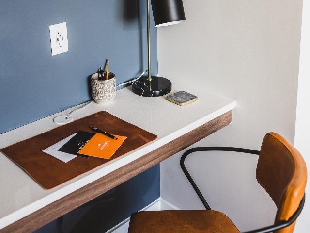 Built-in desk image