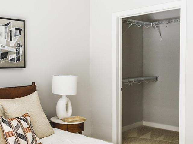 Walk-in closet image