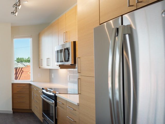 Image of stainless steel appliances at Modera River North