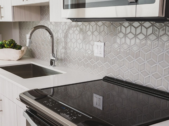 Image of glass cooktop at Modera Central Orlando