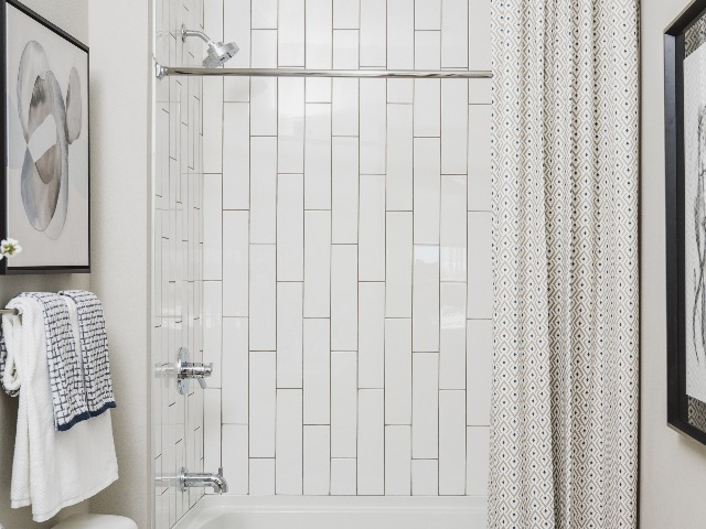 ceramic wall tiles in baths