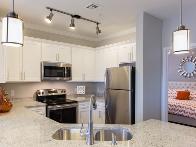 Elegant Kitchen | Luxury Apartments Kansas City KS | Prairie View at Village West