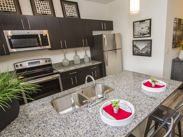 State-of-the-Art Kitchen | Apartments Kansas City MO | RM West 1