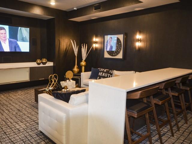 TV Lounge Area | Lees Summit Apartments | Summit Square