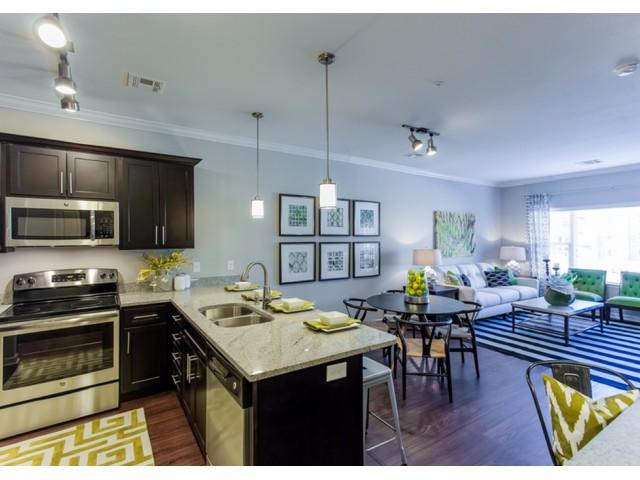 Spacious Kitchen | Apartments For Rent In Kansas City Kansas | Prairie View at Village West